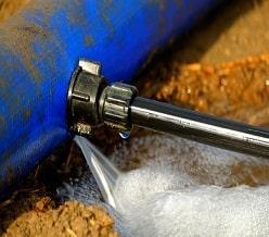 repair irrigation pipe leaks-min
